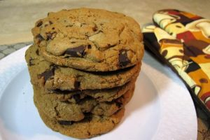 Dark Chocolate Chunk Gourmet Cookie